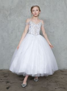 Buy First Holy Communion Dresses with Off the Shoulder Sleeves for Sale. Off Shoulder First Communion Gown and jeweled bodice features long tulle skirt. Shop Girls First Communion Dresses with Jewels on Sale Ball Gown Dresses, Pageant Dresses, Party Dresses, Off Shoulder Long Dress, Cold Shoulder, Girls First Communion Dresses, Purple Bridesmaid Dresses, Kohls Dresses, Beautiful Dresses