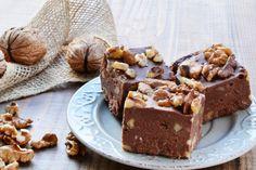 Un fudge au chocolat et noix de Grenoble : 4 ingrédients...3 minutes de préparation