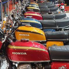 fg_garage @barrosmarcelobarros1 repost @tiozemilcoisas #motorbike #motorcycle #motorcycles…