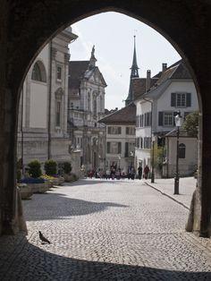 Solothurn, Schweiz Travel Maps, Places To Travel, Travel Destinations, Lausanne, Swiss Travel, Zermatt, Black Forest, Barcelona Cathedral, Countries