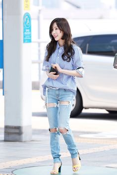 Photo album containing 22 pictures of Taeyeon Snsd Airport Fashion, Taeyeon Fashion, Kpop Fashion, Asian Fashion, Girl's Generation, Girls' Generation Taeyeon, Yoona, Summer Outfits, Girl Outfits