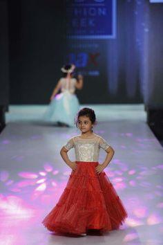 Kids Party Wear Dresses, Little Girl Dresses, Girls Dresses, Baby Dresses, Baby Frocks Designs, Kids Frocks Design, Kids Ethnic Wear, Kids Blouse Designs, Kids Lehenga