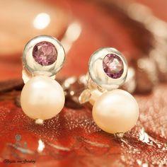 Ohrringe aus 925er Silber mit Amethyst und weißer Perle