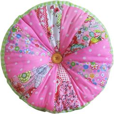 Gorgeous Pinwheel cushions now in store,contact me if you'd like certain colors. www.bobbinsup.co.uk