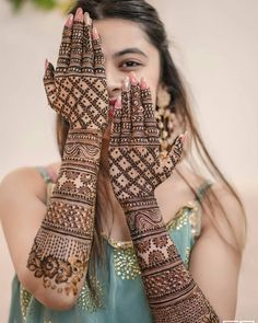 Henna Hand Designs, Mehndi Designs Finger, Latest Bridal Mehndi Designs, Legs Mehndi Design, Full Hand Mehndi Designs, Stylish Mehndi Designs, Mehndi Designs For Girls, Mehndi Design Photos, Wedding Mehndi Designs