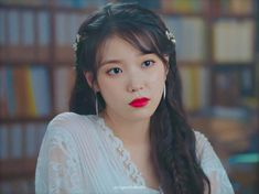 Iu Short Hair, Short Hair Styles, Girl Photo Poses, Girl Photos, Iu Moon Lovers, Korean Girl, Asian Girl, Luna Fashion, Warner Music