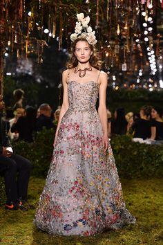 La nueva colección de alta costura de Dior es un sueño - ELLE : ELLE