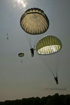 Copyright: L. Paton Photography 2014 All rights reserved. Airborne Army, Airborne Ranger, 82nd Airborne Division, Military Quotes, Military Life, Military Art, American Flag Gif, Estilo Chola, Parachute Regiment