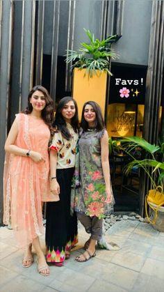 Casual Indian Fashion, Floral Outfits, Desi Wedding, Khalid, Bridesmaid Dresses, Wedding Dresses, Frocks, Ethnic, Banana
