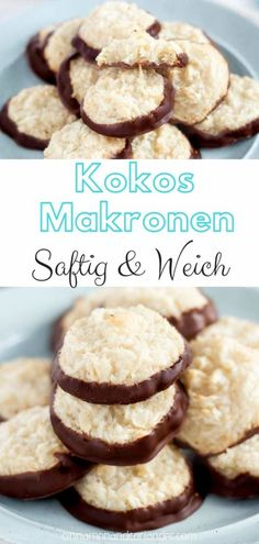 Saftige Kokosmakronen mit Marzipan – einfach & ohne Oblaten Juicy coconut macaroons – the best recipe for coconut macaroons with dark chocolate and a secret ingredient that makes the Christmas cookies particularly soft and juicy! Christmas Baking, Christmas Desserts, Christmas Cookies, Cookie Recipes, Dessert Recipes, Macaroon Recipes, Coconut Macaroons, Coconut Recipes, Cookies Et Biscuits
