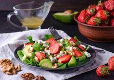 Summer Strawberry, Blue Cheese & Walnut Salad from BigY Walnut Salad, Blue Cheese, Healthy Salads, Caramel, Kung Pao Chicken, Cobb Salad, Potato Salad, Cake Recipes, Strawberry