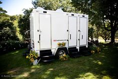 Portable Bathrooms For Outdoor Weddings Brides Get Gottatinkle Female Device Women