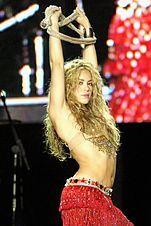 Shakira Ao vivo Concerto completo-Rock in Rio.- / Shakira Live Full Concert-Rock in Rio - Shakira Belly Dance, Shakira Hips, Belly Dancers, Shakira Tour, Shakira Rihanna, Shakira Style, Shakira Concert, Rock Concert, Shakira Mebarak