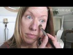 Conceal Under Eye Bags Tutorial Under Eye Creases, Under Eye Makeup, Under Eye Puffiness, Under Eye Concealer, Skin Care Regimen, Skin Care Tips, Scaly Skin, Under Eye Bags, Beauty Hacks
