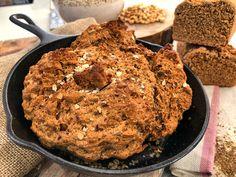 Γρήγορο ψωμί χωρίς μαγιά με σπιτικό φυστικοβούτυρο Προετοιμασία 30′ Μαγείρεμα 45′ Ολοκλήρωση 75′ Υλικα Για 1 ψωμί Με το μάτι Για το ψωμί 1 + 1/2 κούπα γάλα 3 κ.σ. λευκό ξύδι 4 + 1/2 κούπες +- 5% αλεύρι ολικής άλεσης 1 κ.γ. μαγειρική σόδα 1 κ.γ. αλάτι 2 κ.γ. ζάχαρη 5 κ.σ. κρύο βούτυρο …