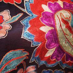@folkartalliance #textiles #letitiahillart