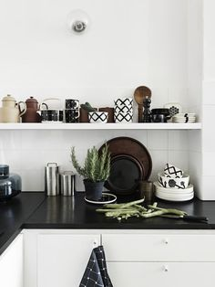 Carina Seth Andersson's new collection for Marimekko Home Kitchens, Kitchen Design, Sweet Home, Dwell Kitchen, Kitchen Dining Room, Kitchen Decor, Marimekko, Interior, Kitchen Interior