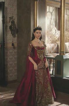Pretty Dresses, Beautiful Dresses, Old Fashion Dresses, Royal Crown Jewels, Kosem Sultan, Medieval Gown, Royal Dresses, Turkish Fashion, Traditional Dresses