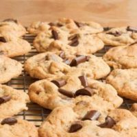 Best Diabetic Chocolate Chip Cookies with brown sugar substitute, quick oats & sugar free chocolate chips