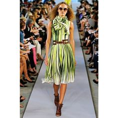 "Pre-Owned Oscar De La Renta 2012 Spring Runway """"Silk... ($755) ❤ liked on Polyvore featuring dresses, green, colorful dresses, palm tree print dress, pattern dress, green cocktail dress and green a line dress"