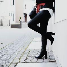 http://ift.tt/2dzY8ey // WEEKEND MODE  Wochenendmodus an... Und bei euch so?? Photo by @_.mapics._  #alittlefashion #fashionblogger_de #ootd #blogger_de #weekendmood