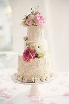 romantic pink cake | via glamour and grace