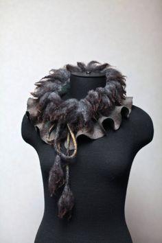 Fieltro de lana afieltrada bufanda Collar cruda por FeltedPleasure, $65.00