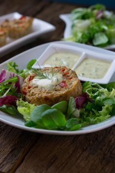 Diese Thunfisch Muffins mit Honig-Senf Dip sind richtig lecker und dazu noch low carb