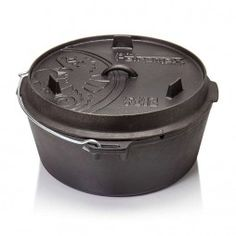 The original Petromax Dutch Oven is ideally suited to cooking and baking in the open air or in the oven at home. Cast-iron pots exist since the century. Even at that time the unique properties of cast iron were appreciated. With the Dutch oven, Petro Cast Iron Pot, Cast Iron Dutch Oven, Cast Iron Cookware, It Cast, Dutch Oven Table, Marmite En Fonte, Oven Canning, In Case Of Emergency, Kitchen Equipment