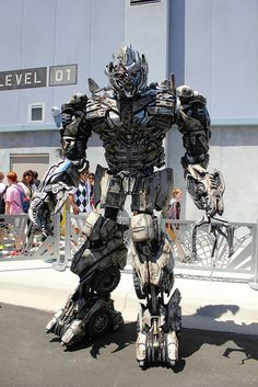 Transformers: The Ride 3D Universal Orlando - Megatron <3 take me there!