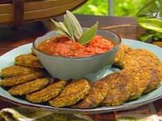 What to do with all that squash and zucchini from the garden? Squash and Zucchini Cakes Recipe Yellow Squash And Zucchini, Zucchini Cake, Quick Appetizers, Appetizer Recipes, Prociutto Appetizers, Food Network Recipes, Cooking Recipes, Healthy Recipes, Keto Recipes