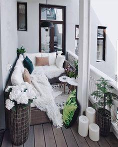_ The post Cudowny balkon Egil Farstad Wolisz taras czy balkon? _ appeared first on Terrasse ideen. Decor, Balcony Furniture, Home, Apartment Interior, Small Balcony Decor, Porch Life, Patio Decor, Apartment Chic, Apartment Decor