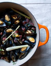 Mussels with Chinese Sausage and Ginger Beer