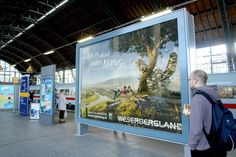 Imagekampagne Weserberglandweg. Heimat des Wanderns. Die von der Hamburger Werbeagentur Orange Cube konzipierte, crossmediale Kampagne läuft in verschiedenen Printtiteln, auf Billboards und Premiumgroßflächen sowie im Online- und Social-Mediabereich. Mehr http://orange-cube.de/static.php?page=weser-bergland-weg-tourismus-Werbung