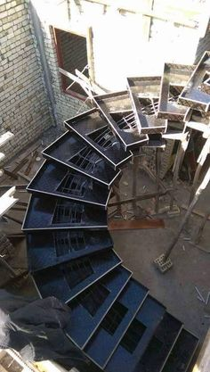 The Development of the Spiral Contemporary Stair Constraction - Architecture Admirers Home Stairs Design, Railing Design, Interior Stairs, Contemporary Stairs, Modern Stairs, Concrete Staircase, Spiral Staircase, Building Stairs, Steel Stairs