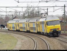 Nederlandse Spoorwegen m-DDM at Harderwijk, Netherlands by Peter ten Thije