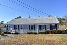 New to our 2020 Inventory! 3 bedrooms, 1 bath home sleeping walking distance to Haigis Beach!