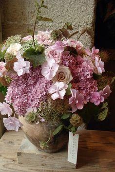 Atelier de création florale Frédéric Garrigues, styliste de fleurs et objets, cours d'art floral.