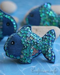 Quality Sewing Tutorials: Sequin Fish tutorial from Craft Ideas. These are double cute.