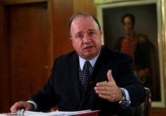Disidencias FARC buscan unificarse en Colombia - Imagen de archivo del ministro de Defensa de Colombia, Luis Carlos Villegas, hablando durante una entrevista con Reuters en Bogotá, Colombia. 18 de mayo, 2016. REUTERS/John Vizcaino/Archivo BOGOTÁ (Reuters) – Las disidencias de las FARC que rechazaron el acuerdo de paz pretenden unificarse ... - https://notiespartano.com/2018/07/17/disidencias-farc-buscan-unificarse-en-colombia/