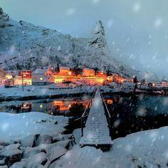 Reine, Lofoten, Norway. #loveletters #love #life #nature #landscape #travel #norway #snow #naturephotography #naturelovers #photography #photooftheday #travelphotography #travelgram #traveller #instagood #instadaily #instaphoto #instanature #instatravel #