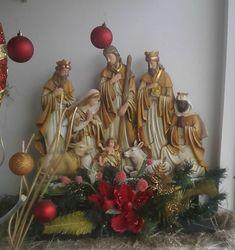 Christmas Wedding, Christmas Home, Christmas Crafts, Christmas Decorations, Grotto Design, Christmas Nativity, Christmas Ornaments, Diy Wedding Decorations, Poinsettia