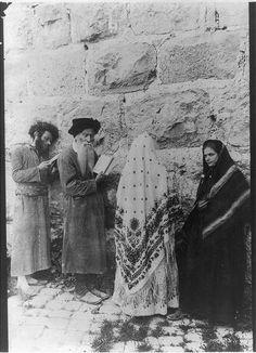 Shtetl spirits at the Wailing Wall