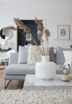 Living Room Decor Cozy, Ottoman In Living Room, Living Room Interior, Home Living Room, Cozy Living, Scandi Home, Lets Stay Home, White Interior Design, Beautiful Houses Interior