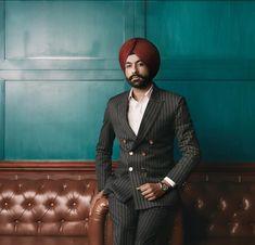 India Fashion Men, Mens Fashion Suits, Fashion Sale, Punjabi Boys, Dress Suits For Men, Indian Bridal Outfits, Renaissance Men, Turban Style, Three Piece Suit