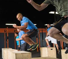 Plyometrics Training: Power Production - 9 Best Plyometrics Moves for More Muscle - Men& Fitness Men's Health Fitness, Muscle Fitness, Mens Fitness, Fitness Tips, Fitness Motivation, Muscle Men, Plyometric Workout, Plyometrics, Calisthenics