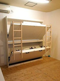 Free DIY Bunk Bed Plans & Ideas that Will Save a Lot of Bedroom Space Ideal triple bunk bed free plans that will impress you Murphy Bunk Beds, Queen Bunk Beds, Bunk Bed Rooms, Bunk Bed Plans, Bunk Beds With Stairs, Kids Bunk Beds, Bunk Beds For Boys Room, Murphy Bed Plans, Beds For Small Rooms