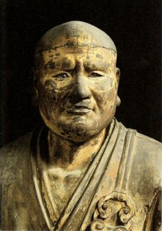 世親菩薩立像-seshinbosaturyuuzou-(vasubandhu) He is a priest. 無著(muzyaku) is a real elder brother. The work of an engraver 運慶. 興福寺(koufukuji)