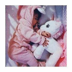 Cute Little Baby Girl, Little Babies, Baby Love, Cute Kids Pics, Cute Baby Girl Pictures, Cute Asian Babies, Cute Funny Babies, Baby Swag, Baby Tumblr