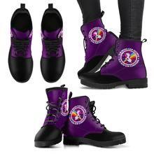 Ich bin ein Einhorn Boot  Handgefertigte Premium Schuhe aus umweltfreundlichem Material Individueller doppelseitiger Druck Abgerundete Schuhspitze, für mehr Bewegungsfreiheit Schnürverschluss für eine angenehme Passform Weiches Textilfutter mit robuster Konstruktion für maximalen Komfort Hochwertige Gummi-Außensohle für außergewöhnliche Belastbarkeit Floral Combat Boots, Combat Boots Style, Faux Fur Boots, Leather Boots, Purple Elephant, Custom Boots, Grunge Fashion, Shoe Boots, Women's Boots
